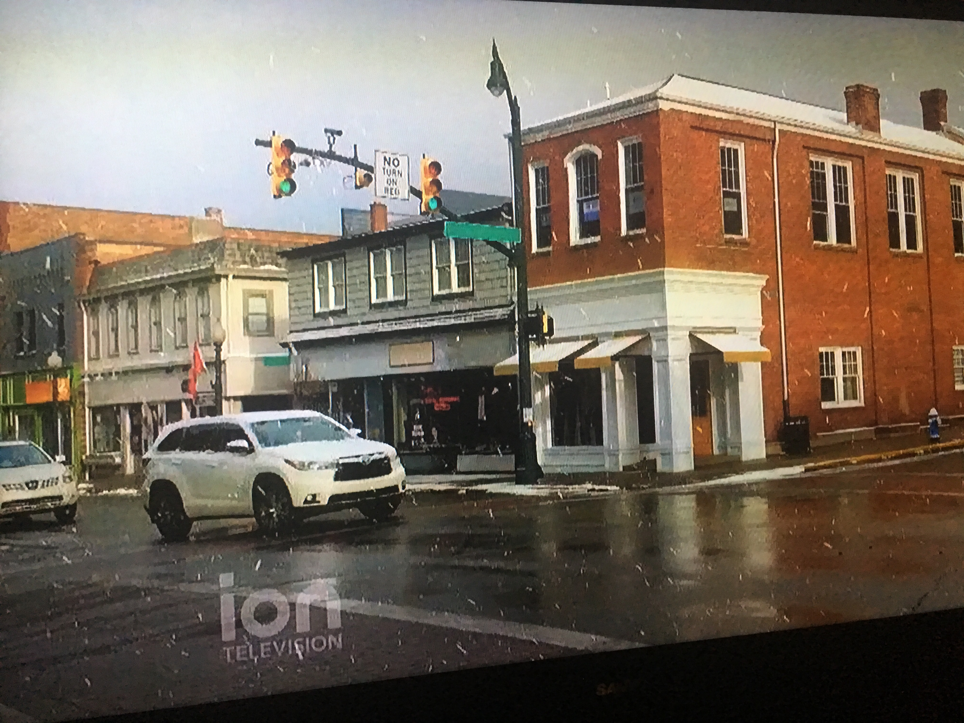 A Pittsburgh Suburb Is The Latest To Be Seen In A Hallmark Christmas Movie It S Christmas 365